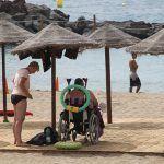 La playa de Las Vistas ya cuenta con la bandera AENOR de Accesibilidad Universal