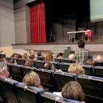 Más de un centenar de personas se interesan en la charla sobre la cláusula suelo en Adeje