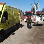 Bomberos de Tenerife liberan a un obrero atrapado en el Muelle de Granadilla