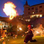 """Bahía del Duque celebra """"la hora del planeta"""" con iluminación natural y danzas de fuego"""