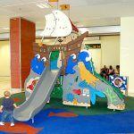 El Aeropuerto de Tenerife Sur instala un nuevo parque infantil