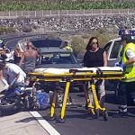 Trasladan en helicóptero a un motorista grave tras un accidente en Playa San Juan