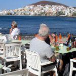 UGT advierte que al tiempo que aumenta el turismo en las Islas, lo hace el desempleo en el sector