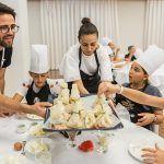 34 'peque chef' se divierten en la segunda edición del taller de cocina solidario