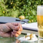 Tomarse una cerveza cuesta de media 1,87 euros en los bares españoles