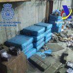 Intervenidas 2,4 toneladas de hachís en la costa de Huelva
