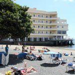 Los análisis del agua indican que la playa de El Médano es apta para el baño