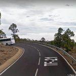 Muere un motorista al colisionar contra una guagua en la TF-21 Vilaflor