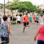 Playa San Juan: punto de encuentro de los mayores de Guía de Isora en verano