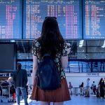 El español que viaja asegurado es mujer, tiene más de 40 años y una renta alta