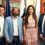El Alcalde recibe a la representante de Santiago del Teide al certamen Miss Universe Spain Tenerife