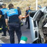 Herido grave al volcar con su vehículo en Santa Cruz y rescate de un senderista en el Teide