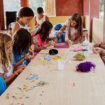 Cerca de 900 niños y adolescentes en situación vulnerable participan en las colonias de verano