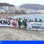 KKNO y Sí se puede se manifiesta en Playa de Las Vistas en contra de los vertidos