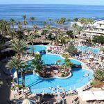 La hipotética implantación de una tasa turística preocupa a los hoteleros
