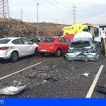 Bomberos de Tenerife colabora en el accidente de tráfico en TF-1 Candelaria