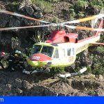 El GES rescata en Adeje a dos heridos que sufrieron una caída con un parapente biplaza