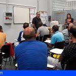 Cabildo y Cáritas forman a cincuenta personas sin hogar para facilitar que logren un empleo