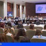 """Parlamento Canario propone una """"respuesta civilizada"""" para los retos que plantean los movimientos de población"""