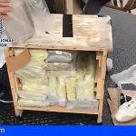 Incautan 101 kilogramos de cocaína y 258 de hachís ocultos en un camión de mudanzas en Marbella