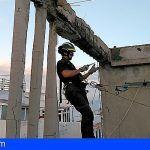 Bomberos de Tenerife extinguen un incendio en una vivienda en Miramar