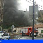 Bomberos de Tenerife extinguen un incendio en una vivienda en San Juan de la Rambla