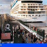 El crucero AIDAblu hace su primera escala en La Gomera