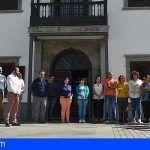 Santiago del Teide guarda un minuto de silencio en memoria de la mujer asesinada en El Fraile
