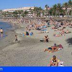 Un bañista en estado grave tras ser rescatado en la Playa de El Camisón