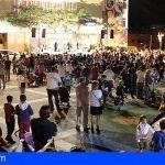 La plaza de la Cultura de San Isidro acoge la gran feria solidaria 'Con Sabor a Navidad'
