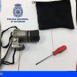 Robó una cámara a un turista británico en Las Palmas con el rostro cubierto y un destornillador