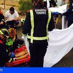Rescatan a un trabajador que cayó a un barranco en Arico