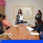 CaixaProinfancia entrega cheques de bienes a diferentes familias de Santiago del Teide