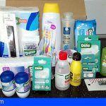 Enfermeras Para el Mundo y el Colegio de Enfermería entregan en Santa Cruz kits higiénicos
