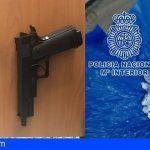 Control policial en Santa Cruz al consumo y tráfico de drogas, así como la tenencia de armas prohibidas
