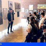 Escolares de Guía de Isora visitan la exposición sobre Aves Rapaces de Canarias
