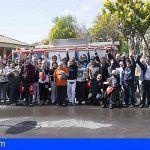 Bomberos de Tenerife visitan y muestran su labor a los pacientes de San Juan de Dios