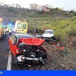 Dos heridos en una colisión frontal de dos vehículos en La Camella