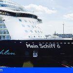 """El crucero """"Mein Schiff 6"""" atraca en Lanzarote"""