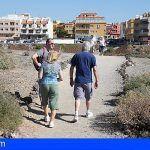 El Cabildo explica a los vecinos la obra que conectará la playa de San Blas con Los Abrigos
