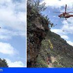 Bomberos de Tenerife rescatan a una senderista en Guía de Isora