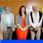 El Alcalde de Santiago del Teide presentó tres obras literarias de escritores locales