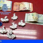 Detiene en Adeje a una persona por tráfico de drogas y otra por reclamación judicial