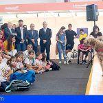 Cinco perros adoptados en el arranque de la feria de animales de compañía de Gran Canaria