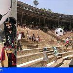 Los Piratas de TIMAGINAS teatro juegan el mundial en el Jungle Park en Arona