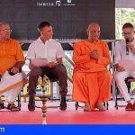 Arona rinde homenaje a más de 120 años de presencia de la comunidad hindú en Canarias