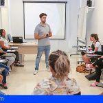 Un curso de la Universidad de Verano de Adeje forma a jóvenes para que sean agentes comunitarios de género