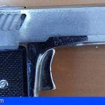 Detienen en Santa Cruz a dos peligrosos delincuentes por seis robos con violencia e interviene un arma corta
