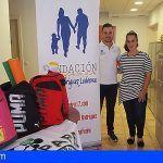 La Fundación de Pedrito entrega mochilas para niños y niñas de San Miguel de Abona