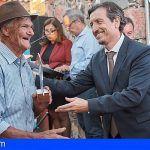 El Cabildo distingue a más de 200 agricultores que han cedido sus fincas para la investigación agraria